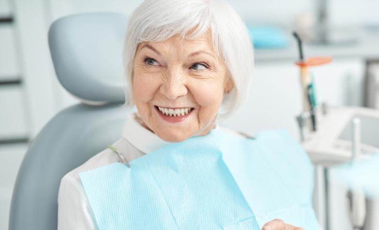 señora-mayor-lopez-y-rocha-dentista-aviles-1920